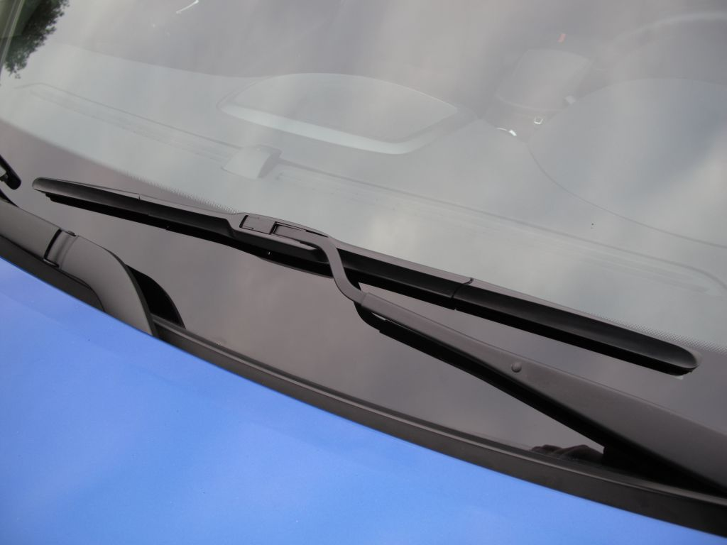 Gt Wiper Blades Vs Track Aero Blades Hyundai Genesis Forum